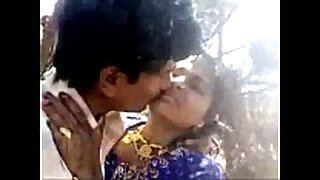 Desi couple outdoor fuck
