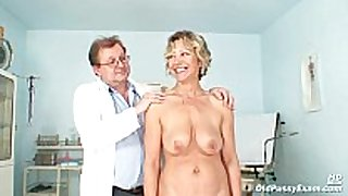 Vanda has her sexually horny older love tunnel opened by spec...